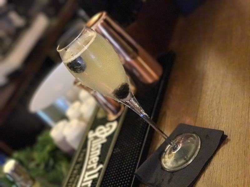 20173003 Blue Lobster Fizzy Cocktail