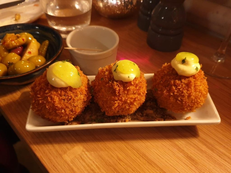 2019 11 22 Leeds El Gato Negro Scotch Eggs