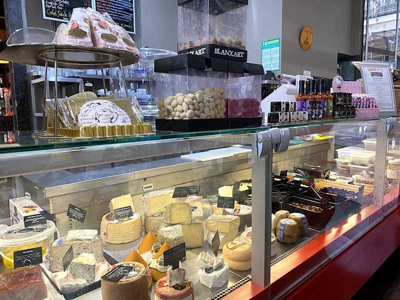 2020 02 28 Lunya Cheese Counter