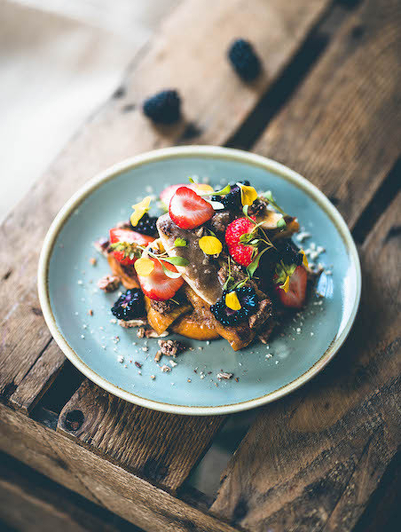 Gron Cinnamon Brioche French Toast With Fruit And Berries