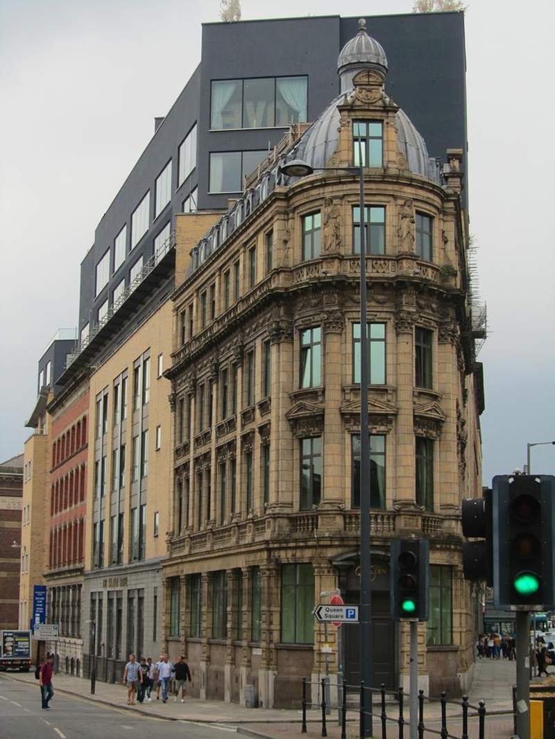 Shankly Hotel Carbuncle