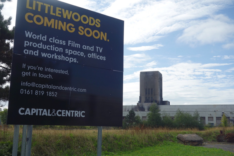 2018 09 04 Littlewoods Sign Liverpool