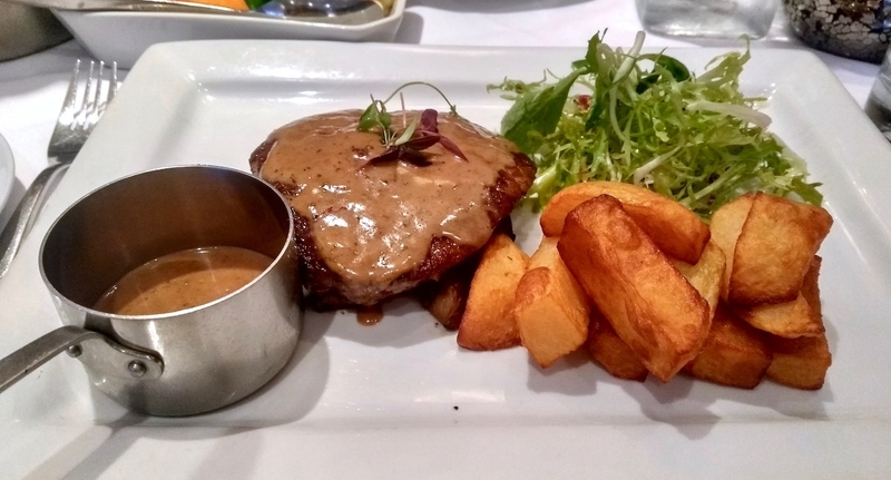 2019 06 10 Bistro 21 Fillet Steak Pepper Sauce Chunky Chips