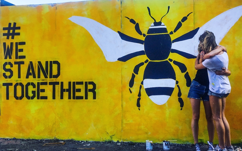 17 12 22 Amy Coney Manchester Bee Artist