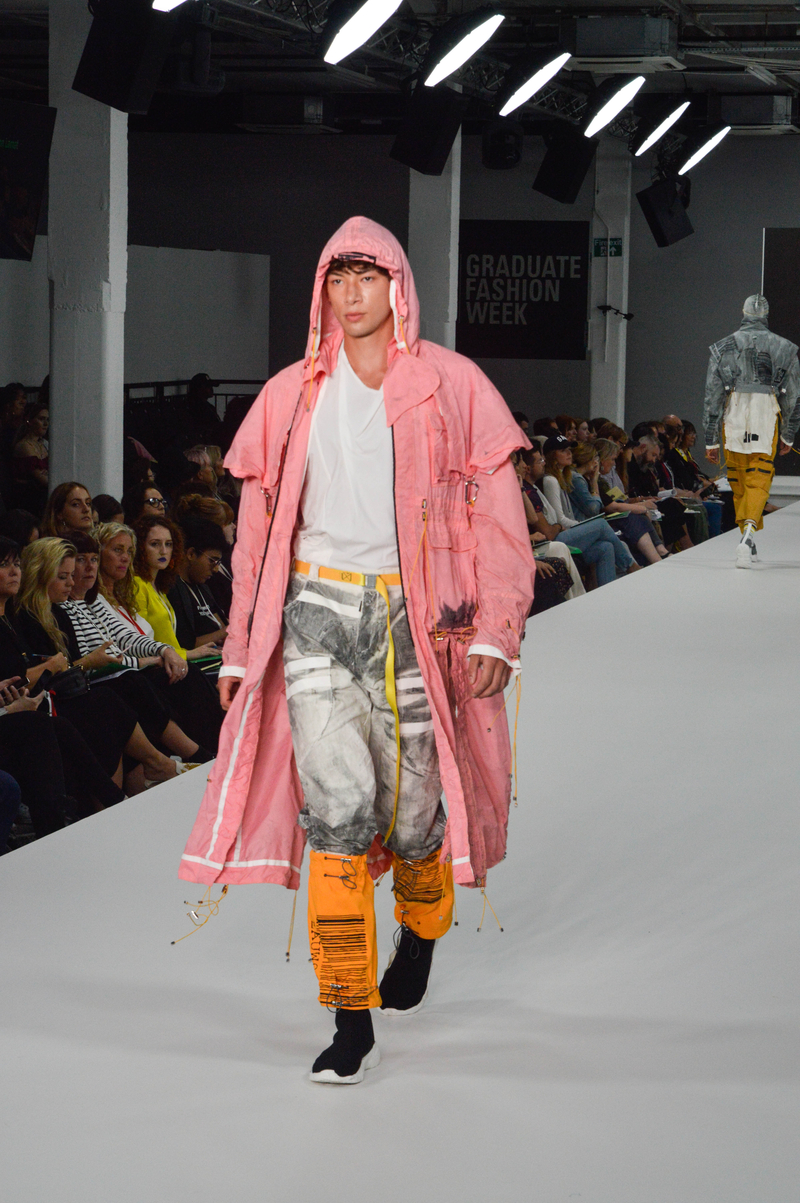 18 06 05 Graduate Fashion Week Manchester School Of Art 21 Of 32