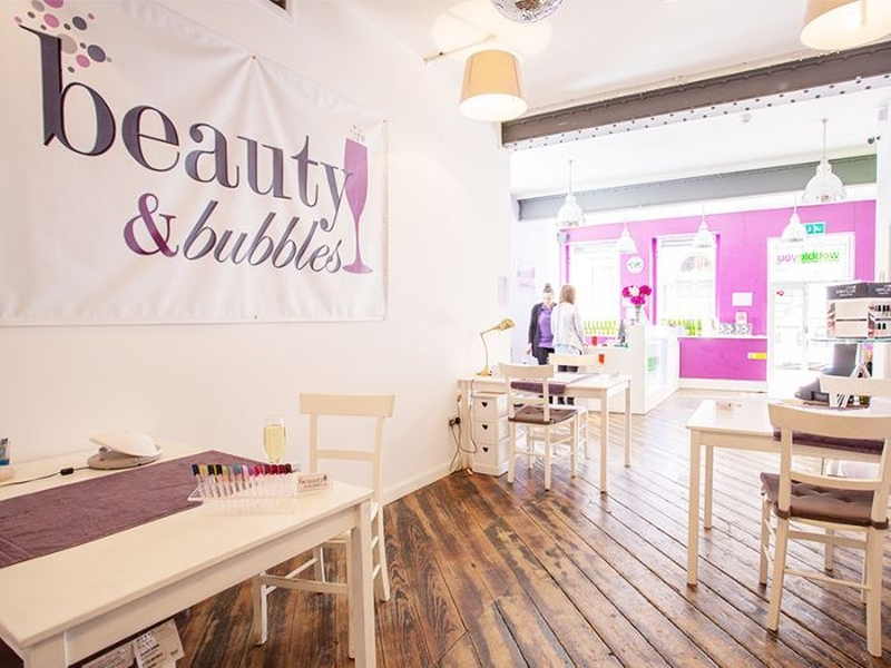 19 01 07 Manchester Nail Salons Beauty Bubbles