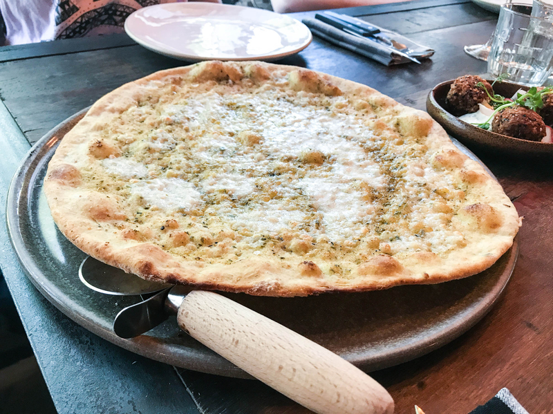170526 Artisan Express Lunch Cheese Garlic Bread 4