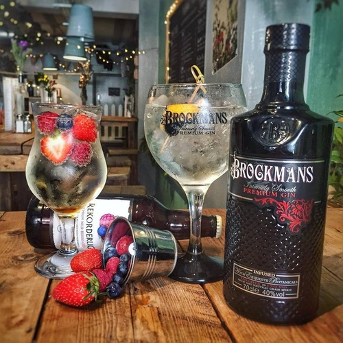 20180829 Allotment Gin Brockmans