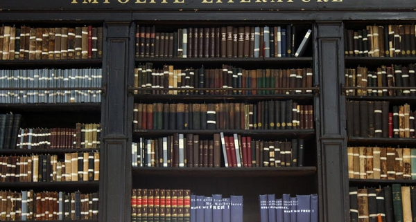 The Portico - Manchester's time capsule library hidden above a pub