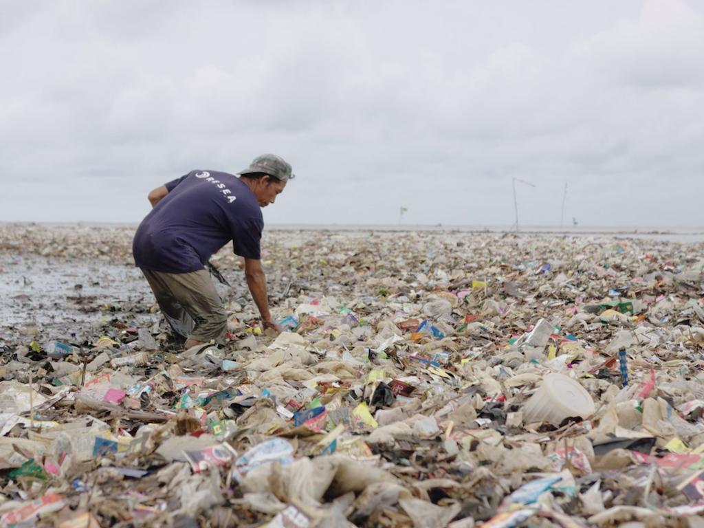 2020-08-17-resea-ocean-plastic.png#asset:996398