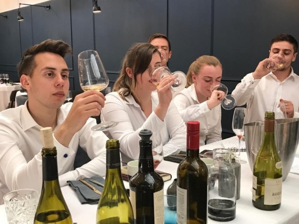 170925 Home Wine Team