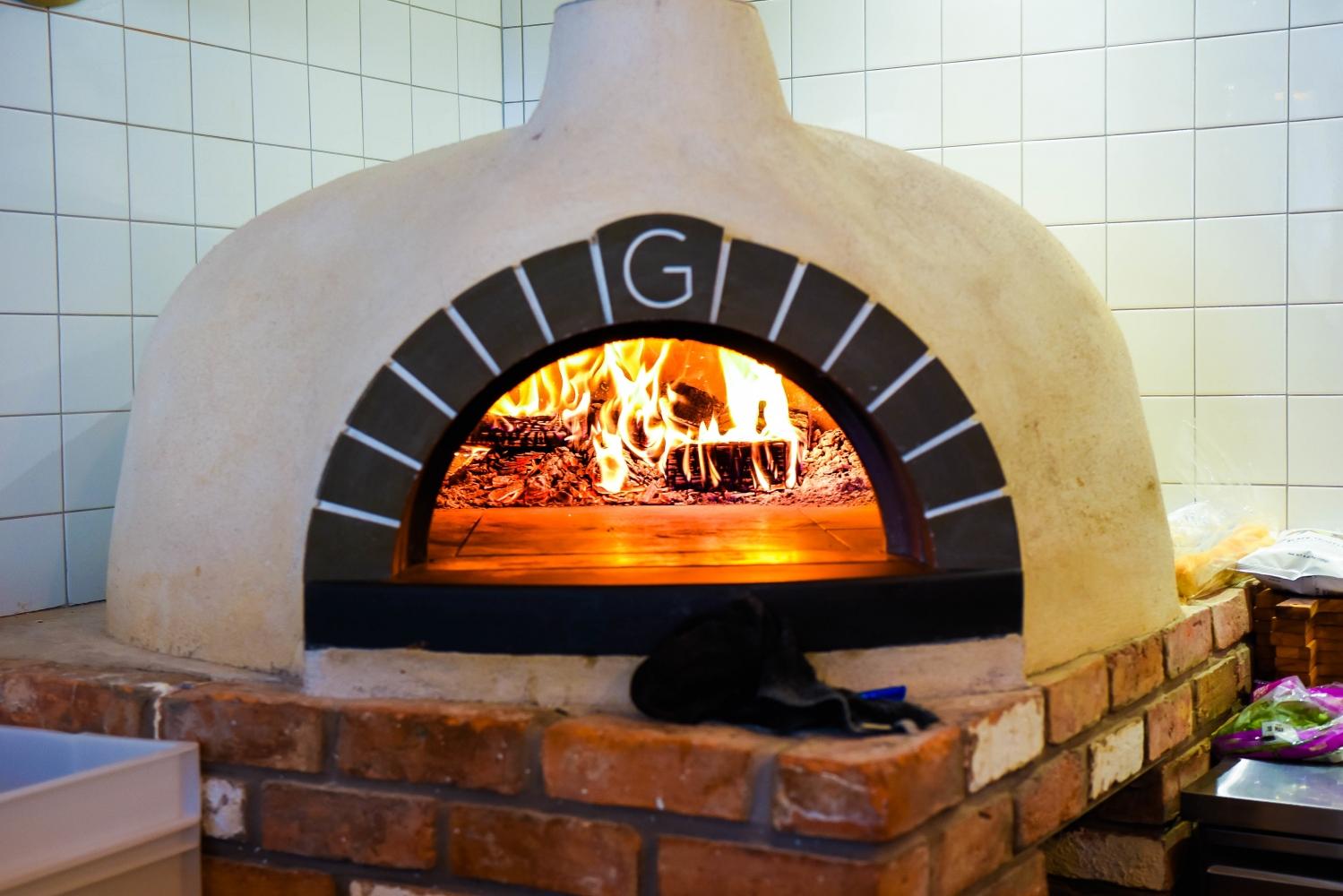 170309 Grumpys Pizza Oven