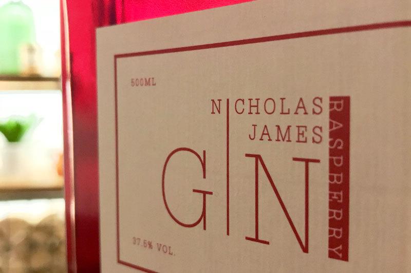 20181106 Nicholas James Gin Raspberry Gin 800X533