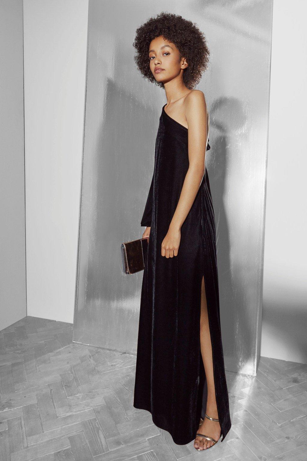 17-11-23-French-Connection-velvet-dress.jpg#asset:594685