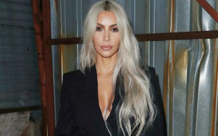 18 03 27 Kim Kardashian Blonde