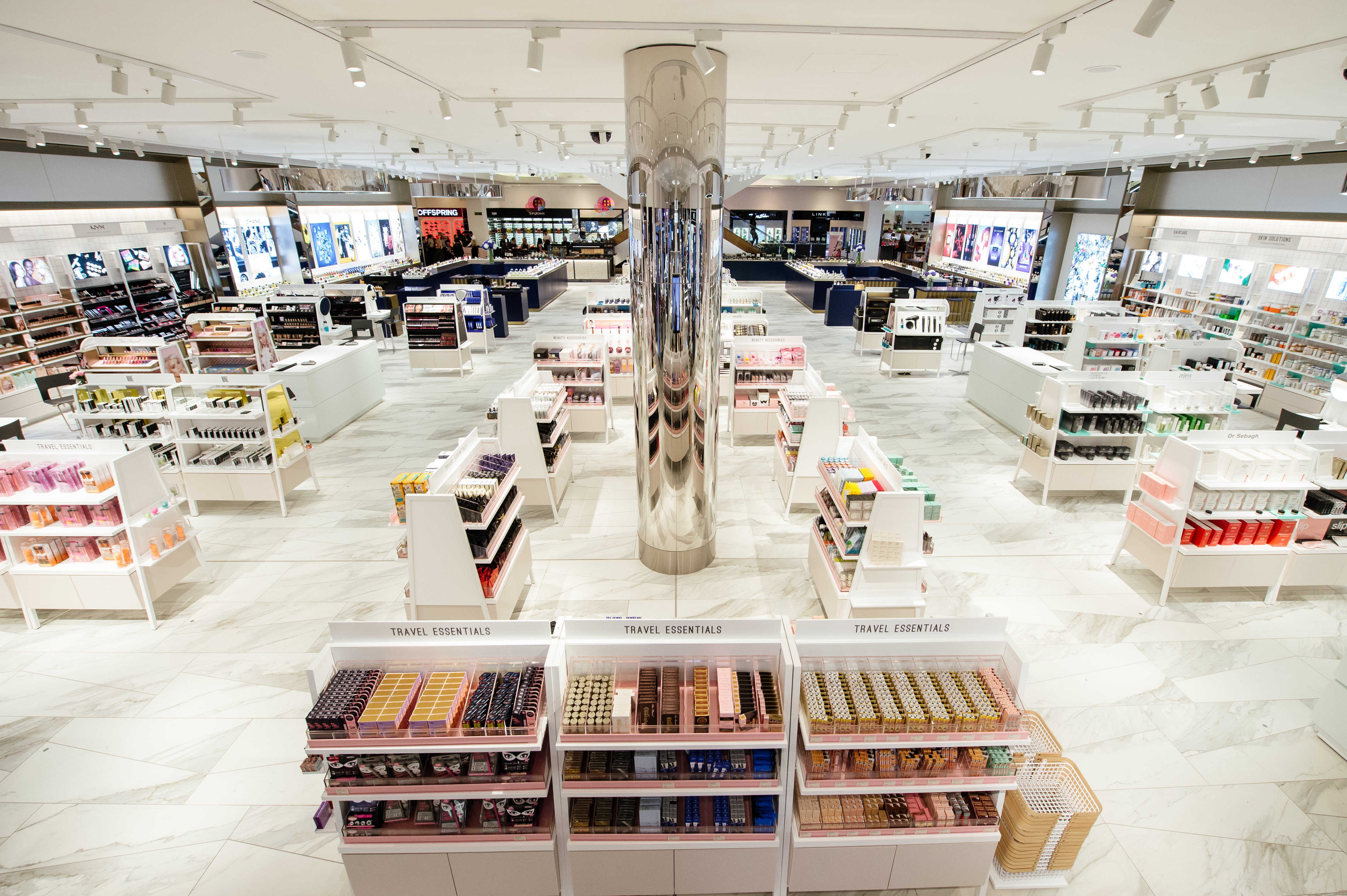 76f0491856699 Take a look - Selfridges Trafford unveils biggest beauty hall outside of  London