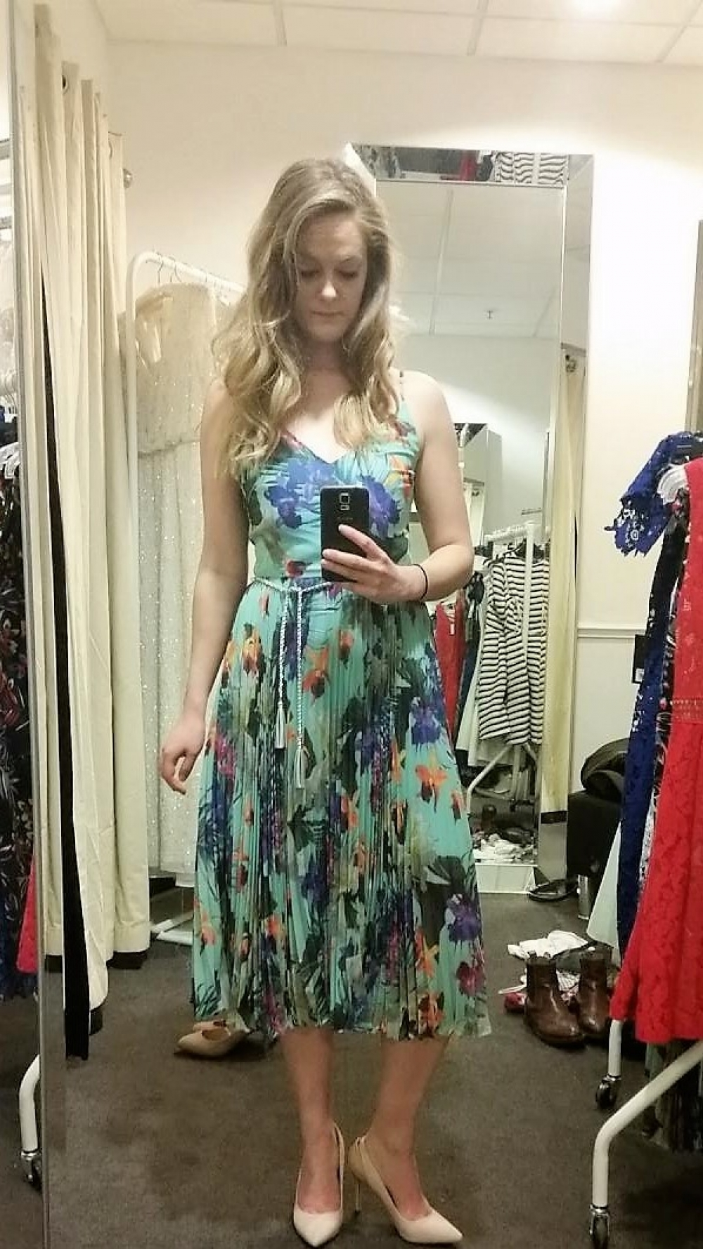 Topshop V Debenhams Personal Shoppers Who Picked The Best Wedding Outfit Confidentials