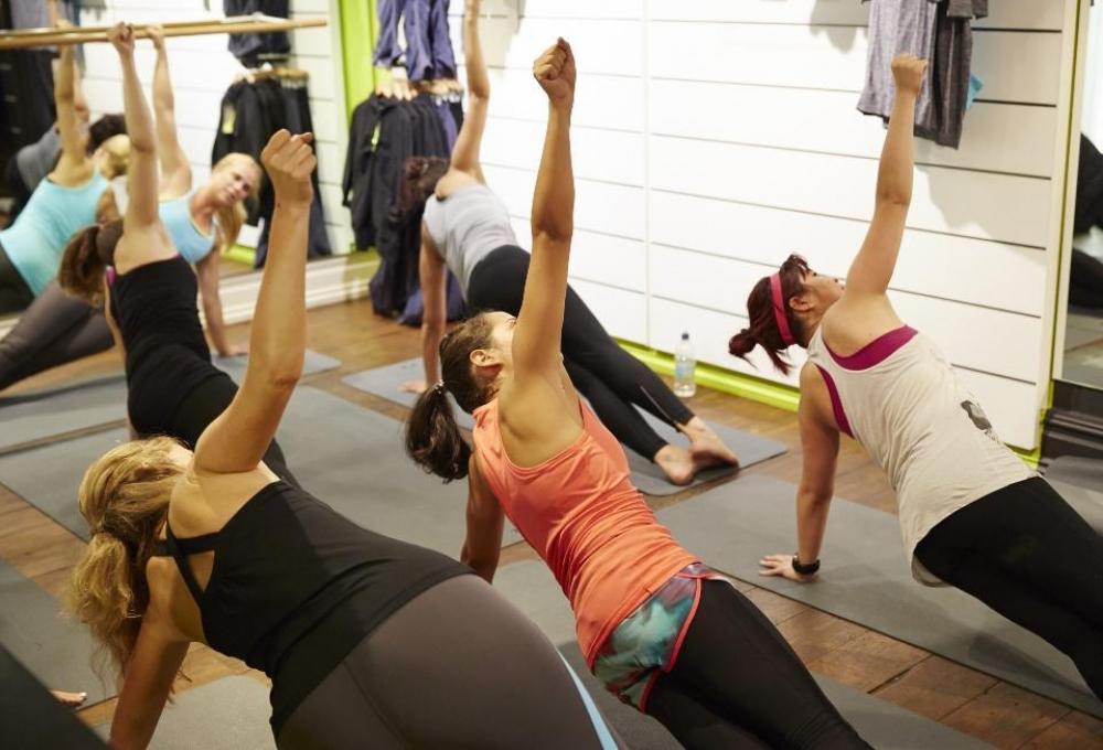 170522 Lunchtime Yogasweatybettyclass 1940X1318