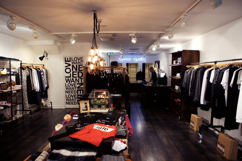 17 07 14 Black White Denim Boutique