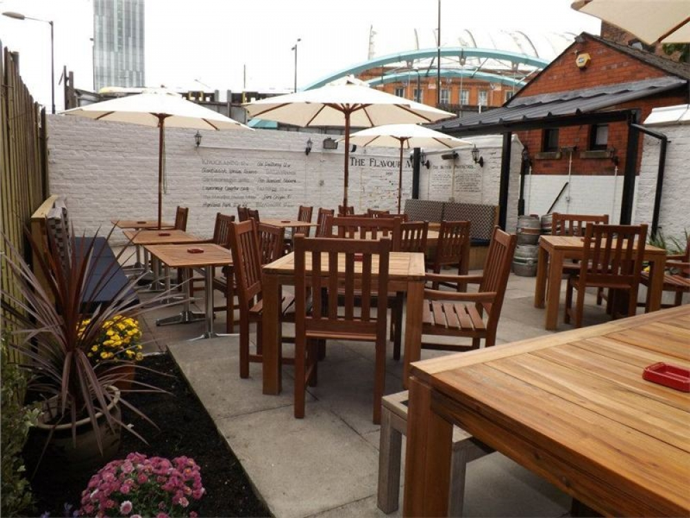 170511 Manchester Outdoor Drinking Terraces64 O6 H