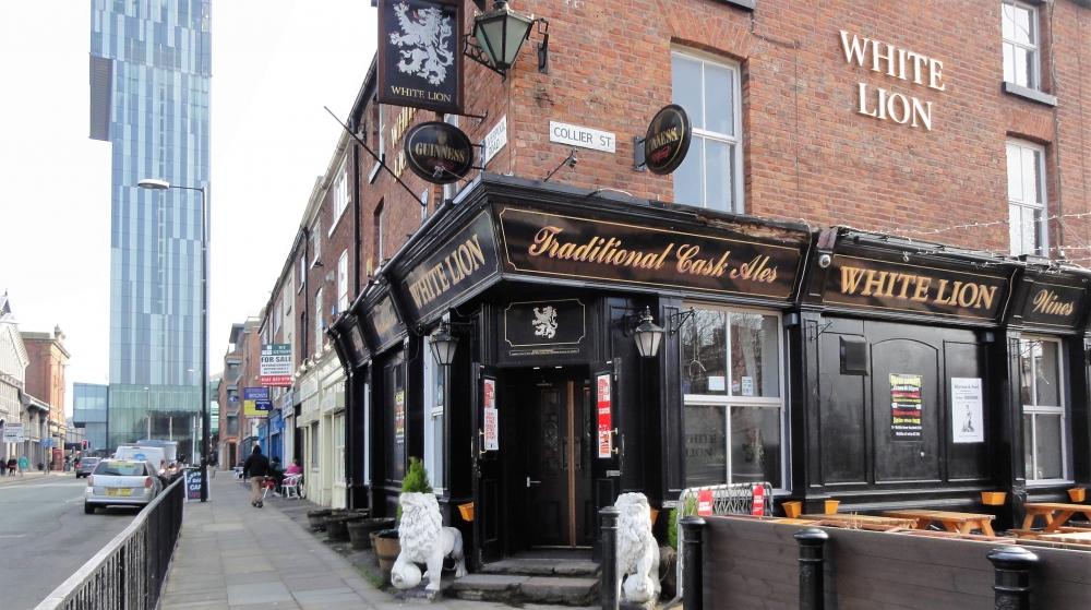 170511 Manchester Outdoor Drinking Terraceswhite Lion Castelfield 58483Fff