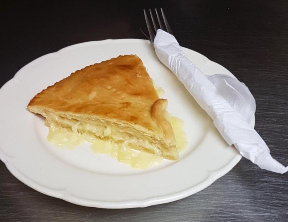 Lindas Pantry Cheese Onion Pie