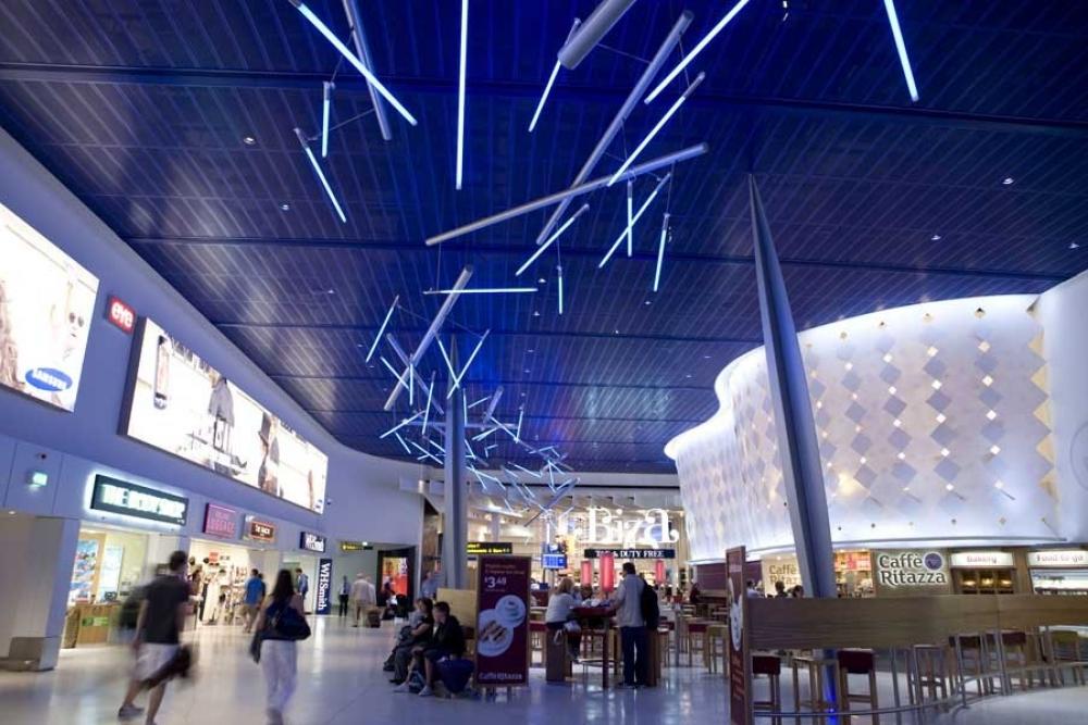 Manchester Airport Terminal 1 A081209