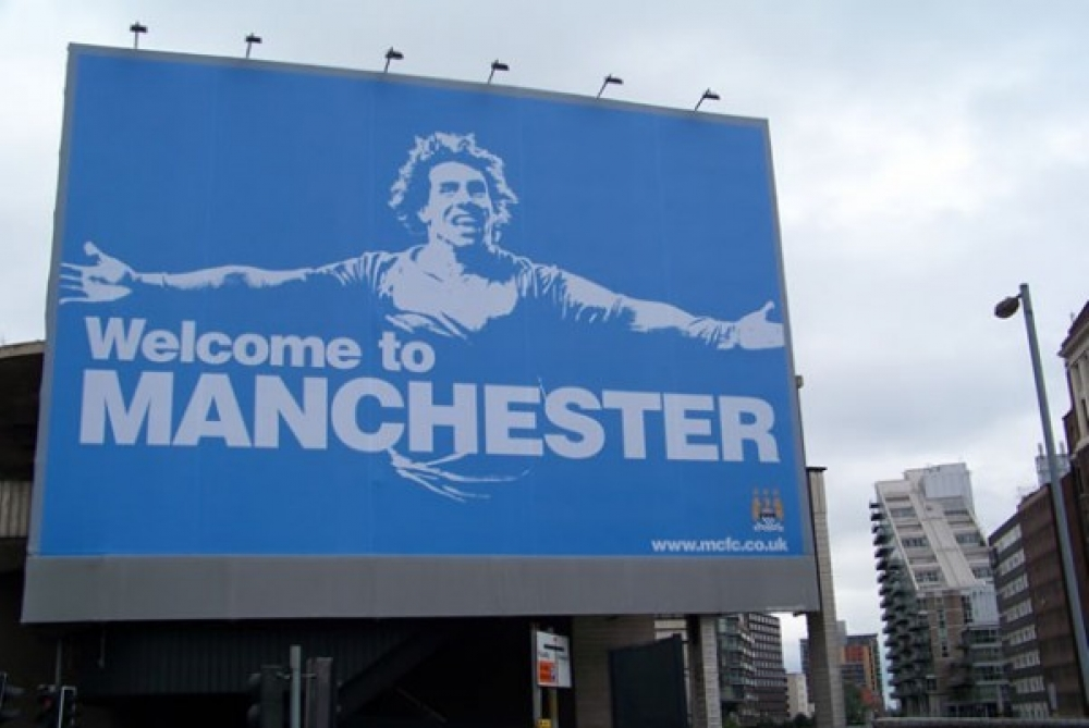 Tevez Sign 600X401