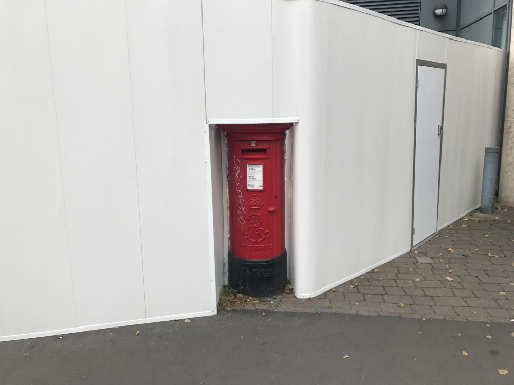 Shy Postbox Sleuth