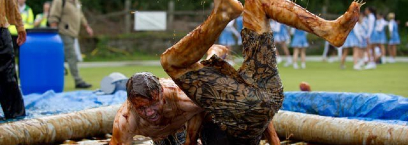 20170825 Sleuth 34 Gravy Wrestling