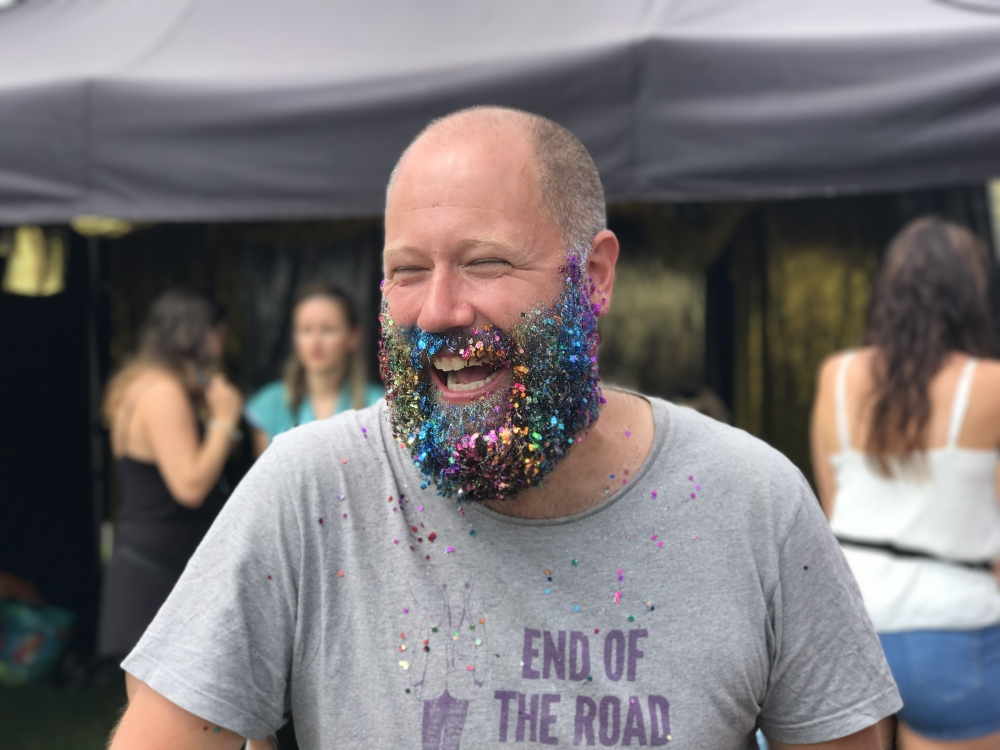 20170710 Bluedot Glitter Beard