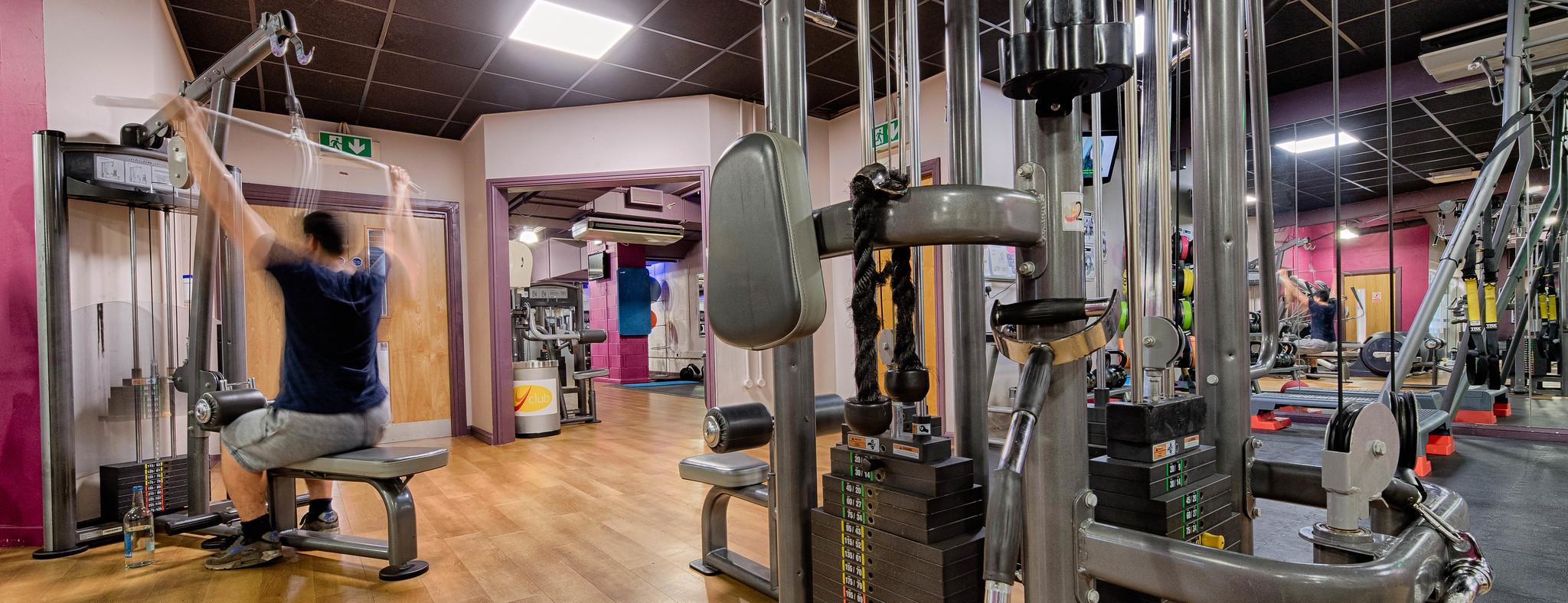 20170504 Yclub Gym Cables In Cardio
