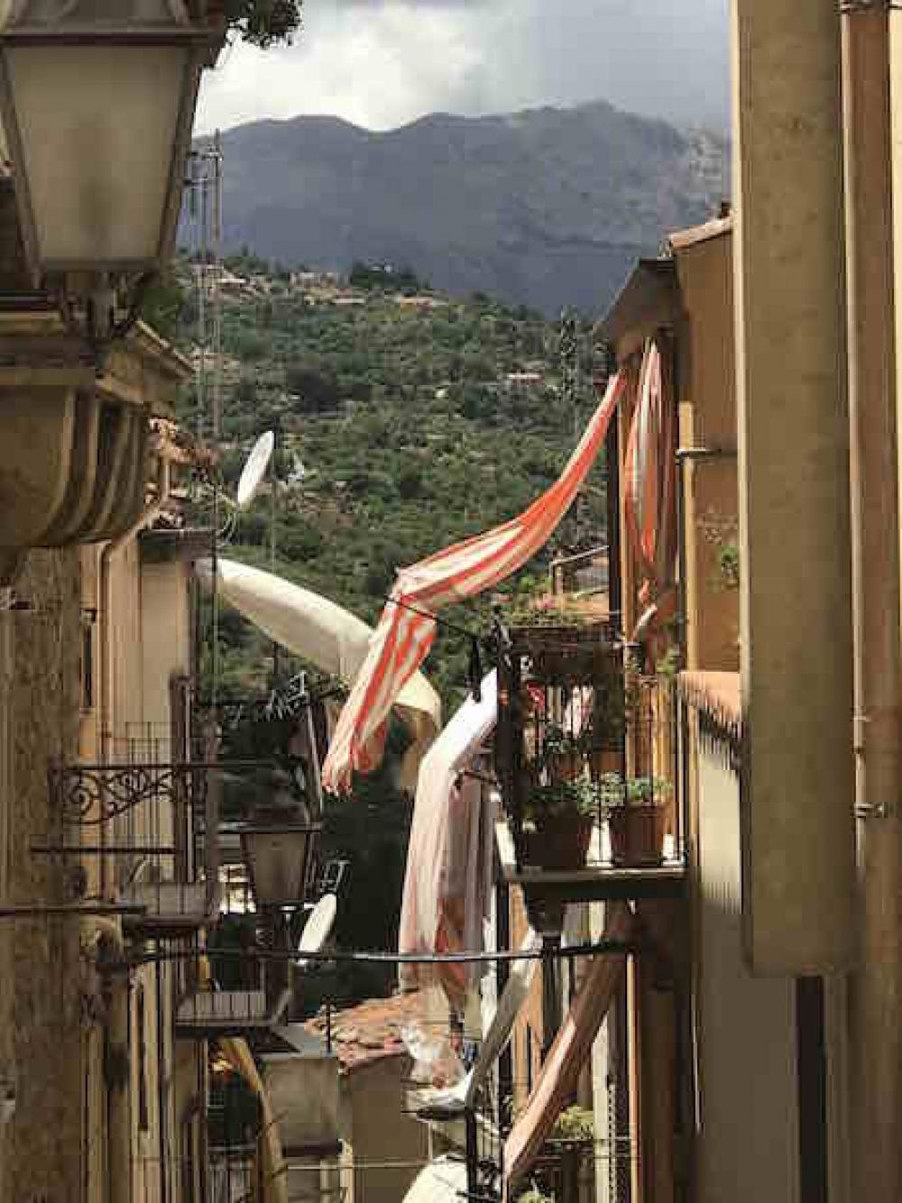 170821 Castelbuono Alley
