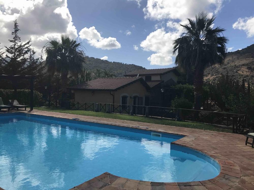 170821 Pool Villa Charme