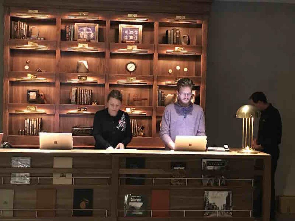 170826 Maven Front Desk