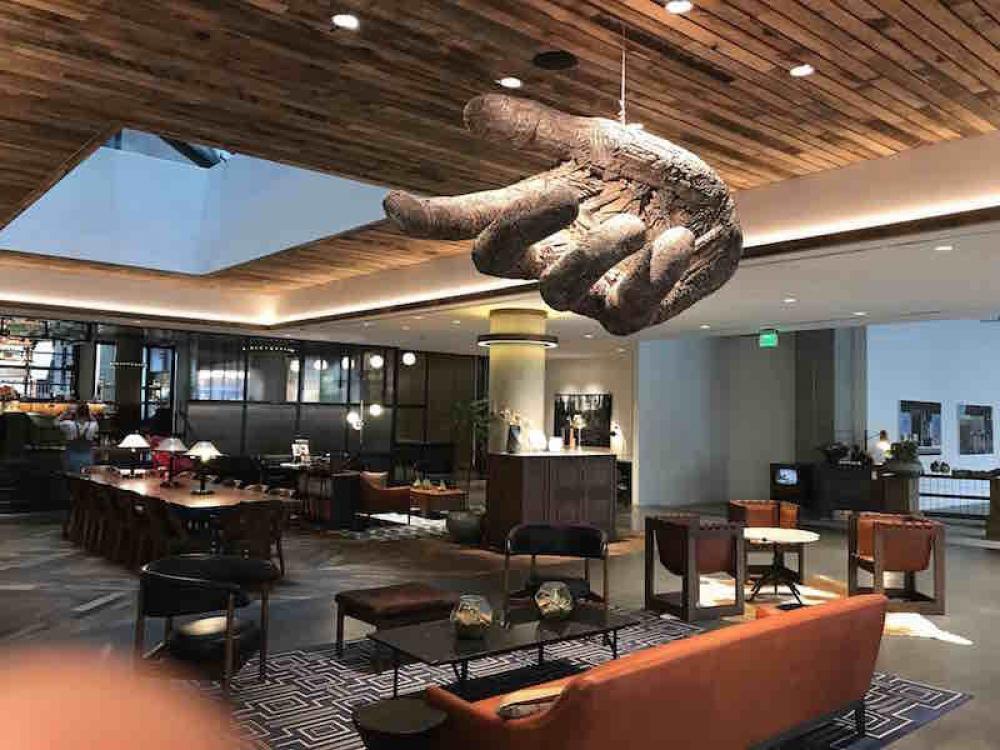 170826 Maven Hotel Foyer