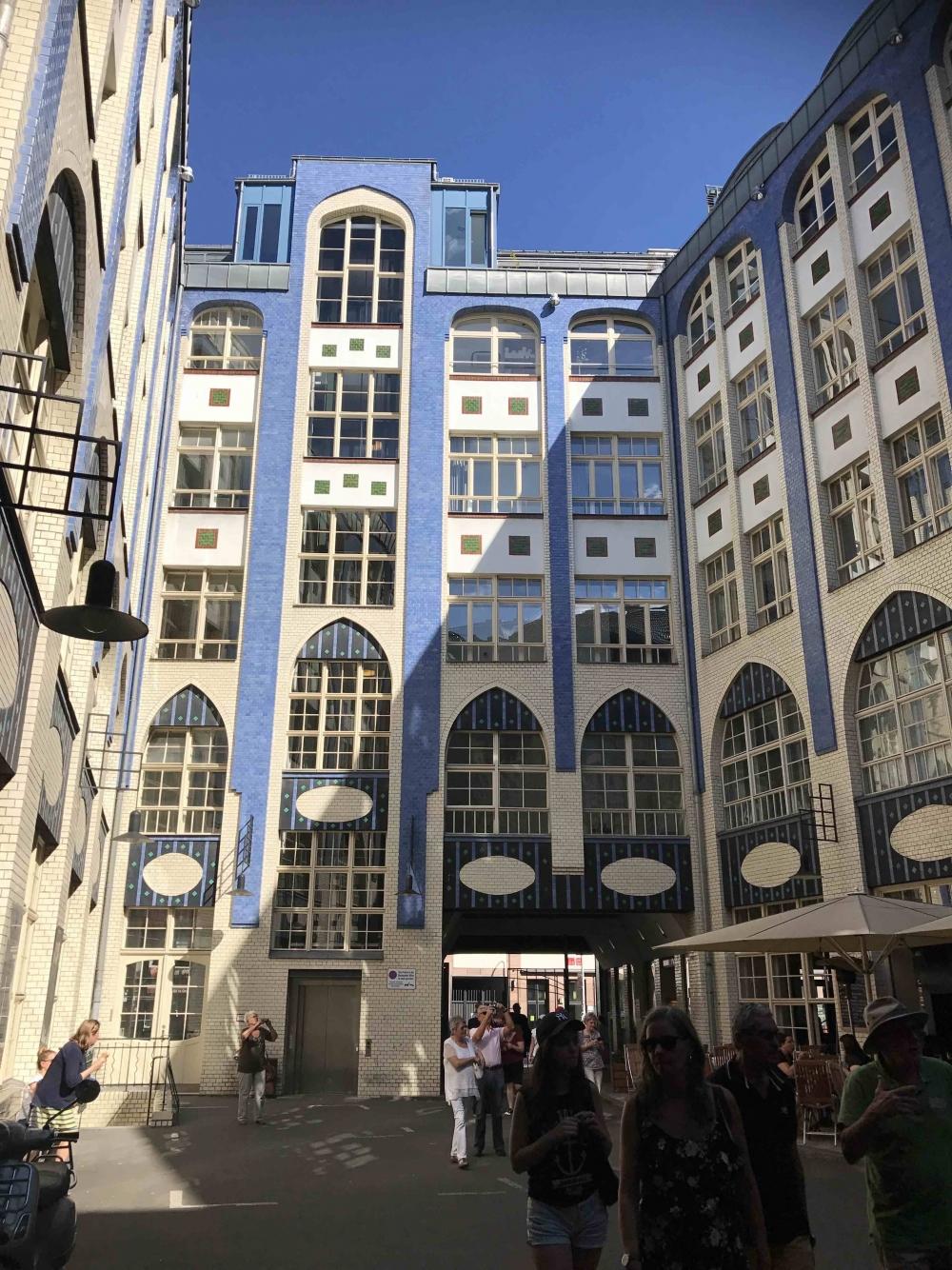 Berlin 170719 Hackescher Hofe